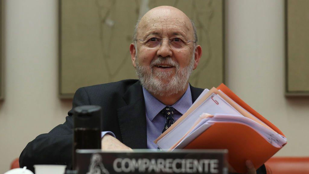 """El CIS no preguntará sobre uan Carlos,  Tezanos cree que """"sus problemas no interesan"""" en este momento"""
