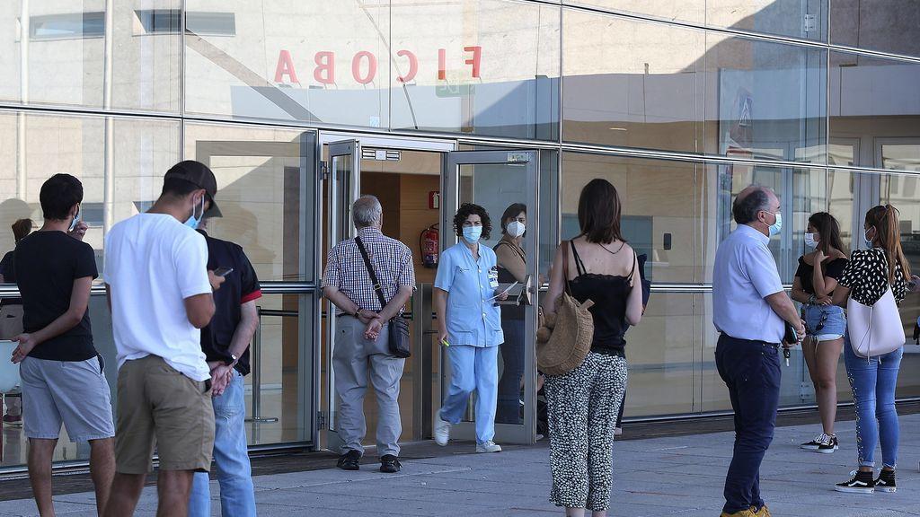 Nuevo máximo de contagios de coronavirus en España con 14.389 y otras 90 muertes