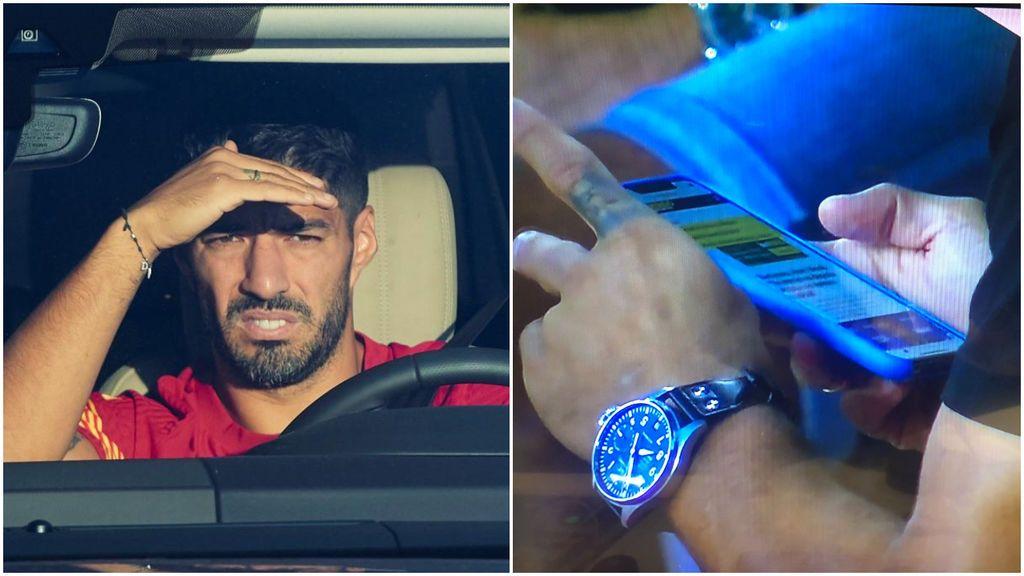 """Luís Suárez, pillado leyendo en el móvil lo que Bartomeu dice de él: """"Es jugador del Barça"""""""