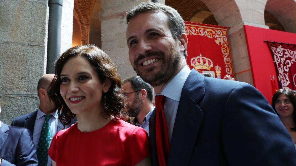 """Casado seguirá apoyando a Ayuso a pesar del """"malestar"""" por su gestión de la pandemia"""
