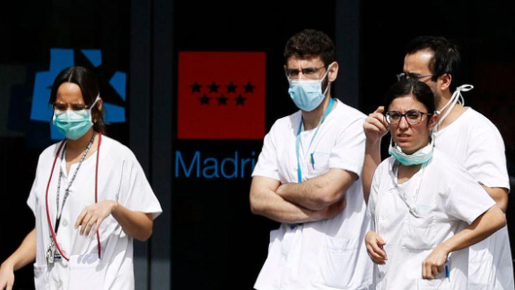 Voluntarios en vez de médicos contratados, algo falla