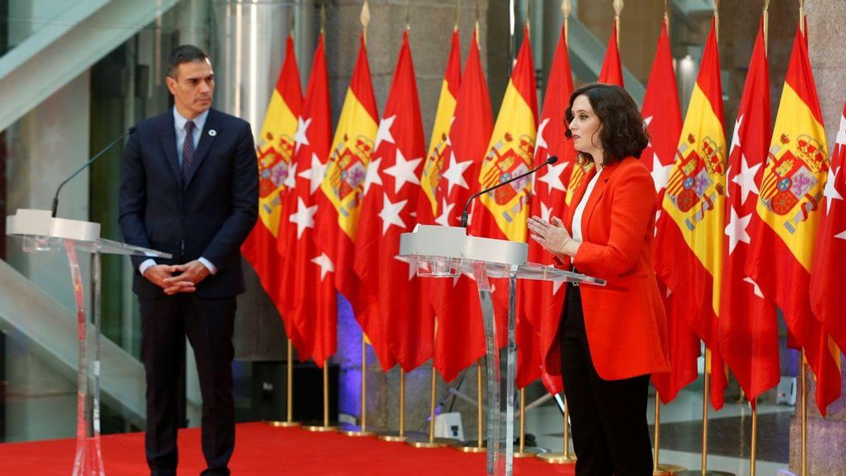 """Ayuso destaca ante Sánchez que en """"España faltan médicos"""" y exige un plan de cuarentenas"""