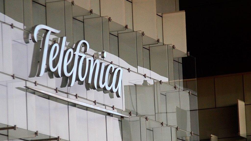 Telefónica retrocede a 1996: sus acciones por debajo de los tres euros