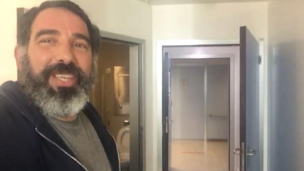 """Alex, paciente cero de coronavirus en Murcia tras 42 días de ingreso: """"Las puertas abiertas, no me lo creo"""""""