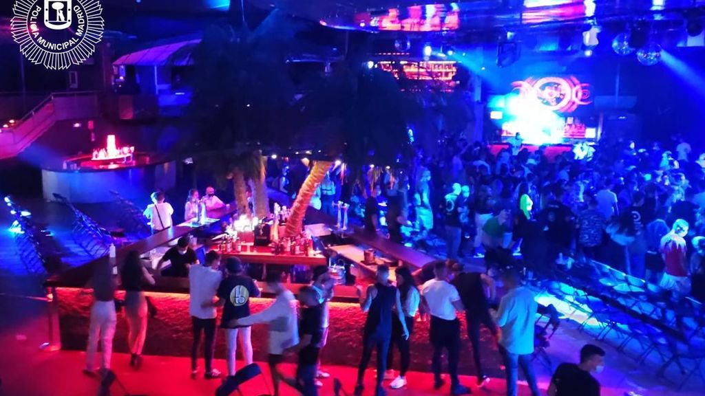 Desalojan a 300 personas sin mascarilla en un concierto en la sala La Riviera en Madrid