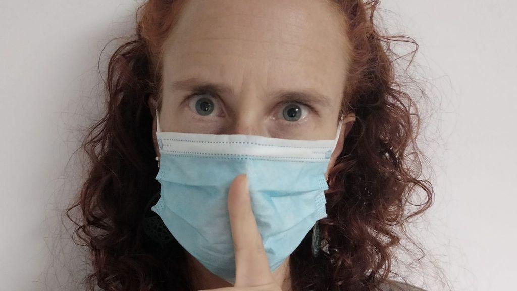 YouTube veta los vídeos de una bióloga negacionista