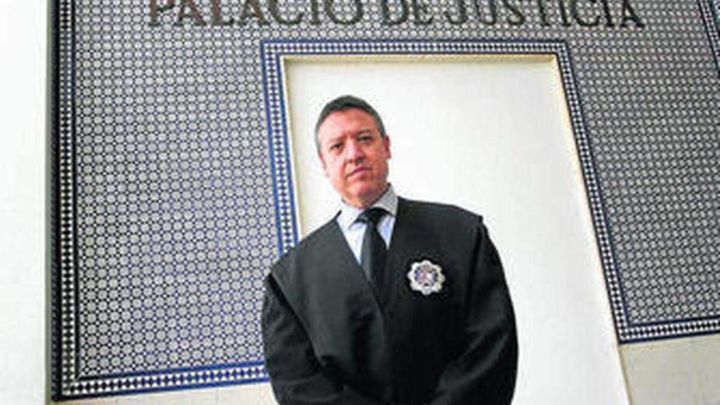 """Juez Decano de Algeciras: """"Los narcos van en Ferrari, nosotros en un Dos Caballos"""""""