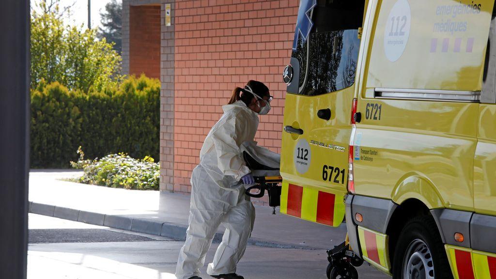 Sanidad notifica una subida de 241 muertes, con una bajada a 10.799 casos de coronavirus