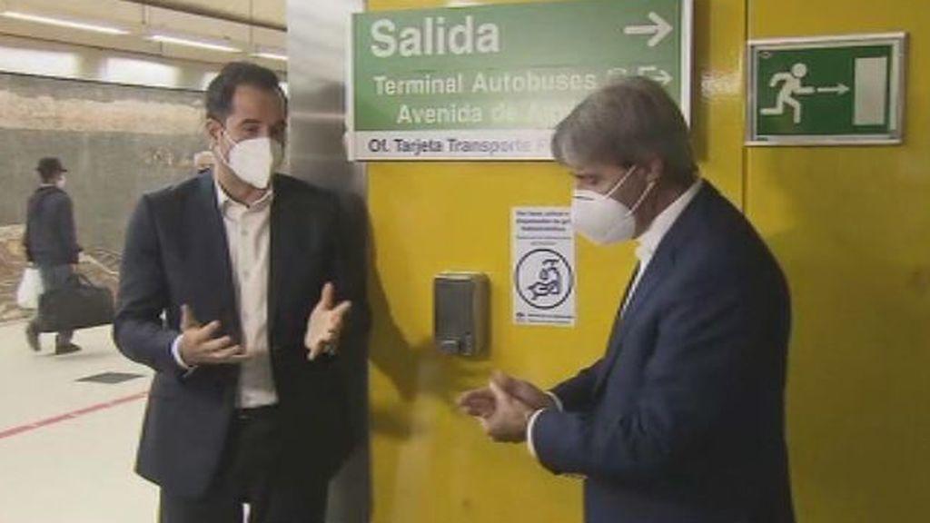 Aguado anuncia 200 puestos de hidrogel en el Metro de Madrid y le llueven las críticas