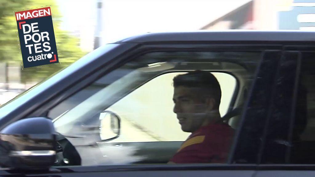 Luis Suárez sale llorando de la ciudad deportiva del Barça: el uruguayo, emocionado tras despedirse de sus compañeros