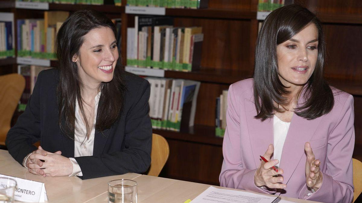"""Irene Montero se aficiona al papel couché: """"En relaciones de pareja, soy conservadora"""""""