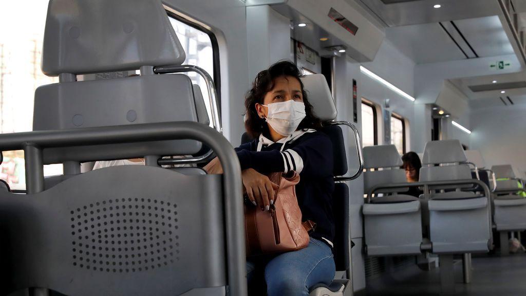 """Los bulos más virales sobre las mascarillas:  """"Es falso que produzcan hipoxia, infecciones o daños pulmonares"""""""