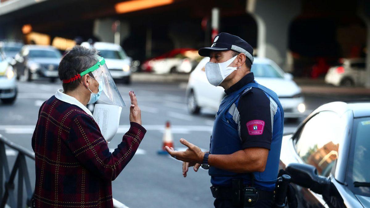 Última hora del coronavirus: Madrid recula y comenzará a multar a quien incumpla las restricciones cuando lo avalen la Justicia