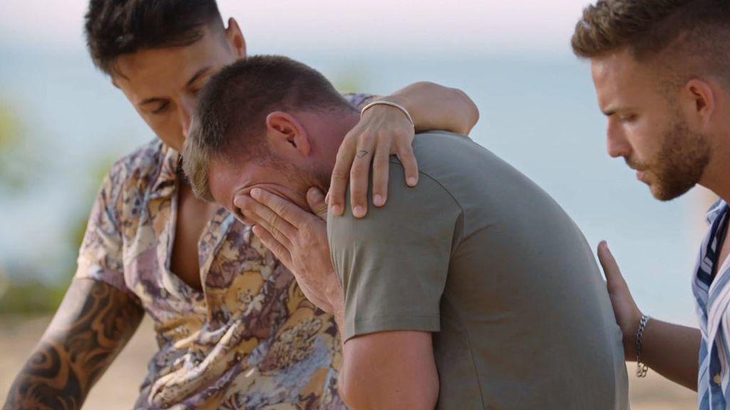 """Tom rompe a llorar tras una gran discusión con Melyssa que termina en un ultimátum: """"Como vea algo tuyo, se acabó"""""""