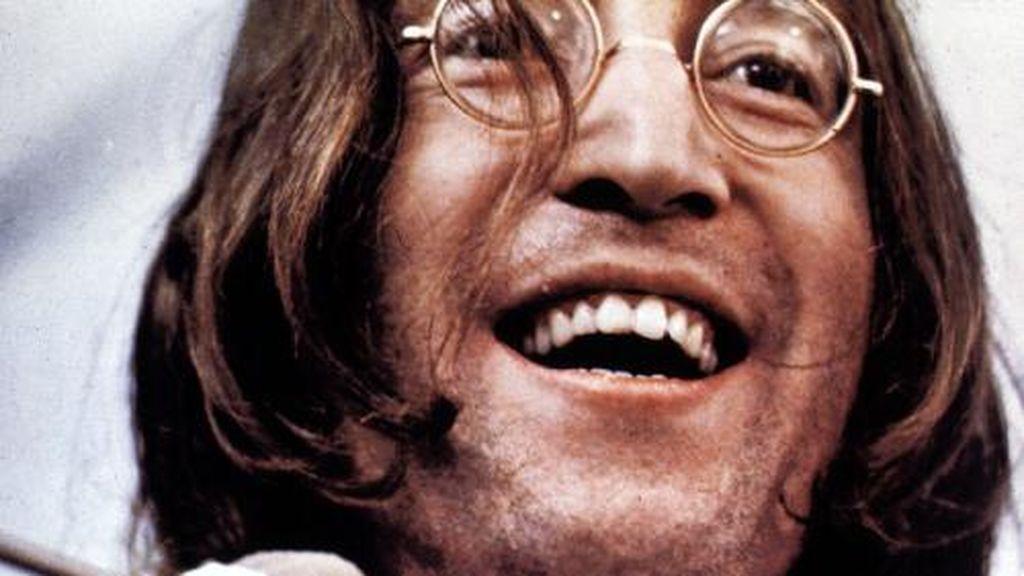 """El asesino de John Lennon pide perdón 40 años después: """"Fue por gloria propia"""""""