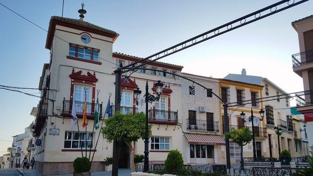 EuropaPress_3330495_fachada_ayuntamiento_casariche_sevilla