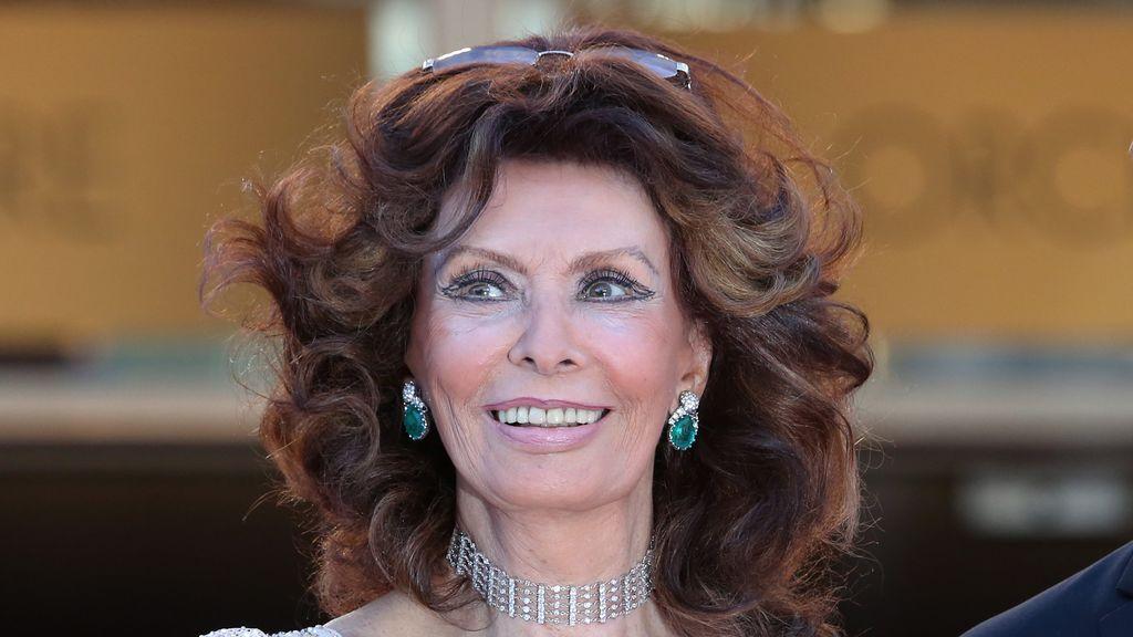 Con canas y superviviente del Holocausto: Sophia Loren vuelve al cine a sus 86 años