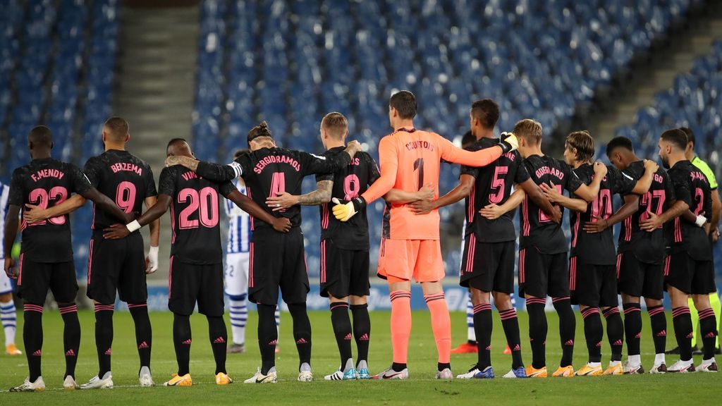 El vestuario del Real Madrid no entendería el fichaje de un delantero tras haber renunciado a las primas para ayudar al club