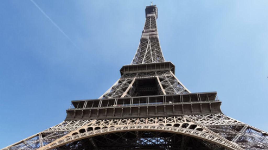 Evacuada la Torre Eiffel por amenaza de bomba