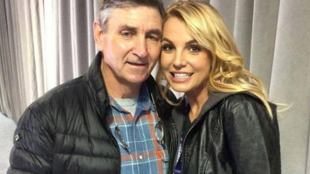 Britney ingresó en una clínica de salud mental al no poder gestionar los problemas que sufre su padre.