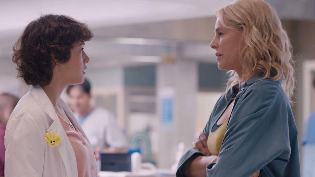 Elsa intenta convencer a su madre para irse del hospital, en 'Madres. Amor y vida'