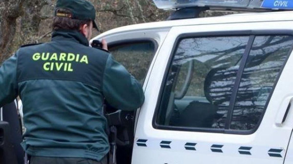 Heridos dos guardias civiles por un maltratador al que iban a detener en Sevilla