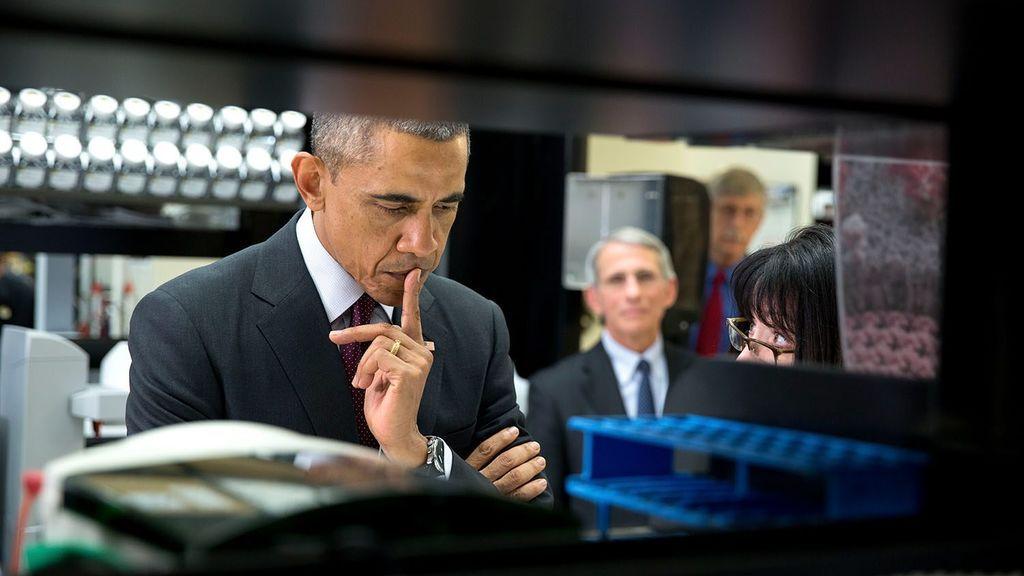 Anthony Fauci y Barack Obama