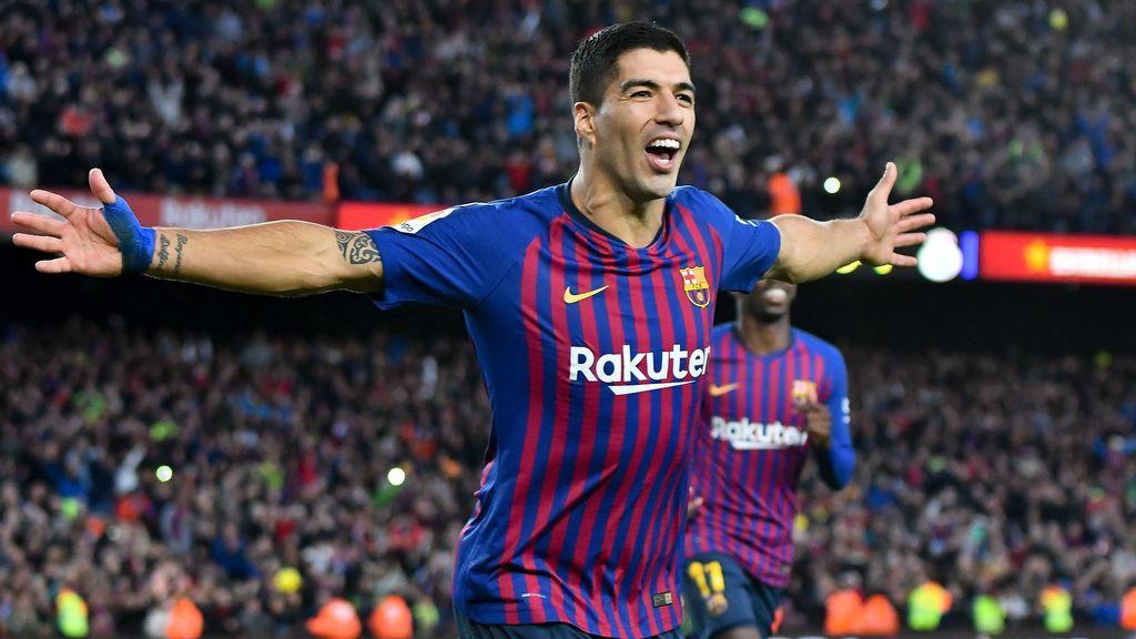 Luis Suárez, tras marcar gol con el Barcelona.
