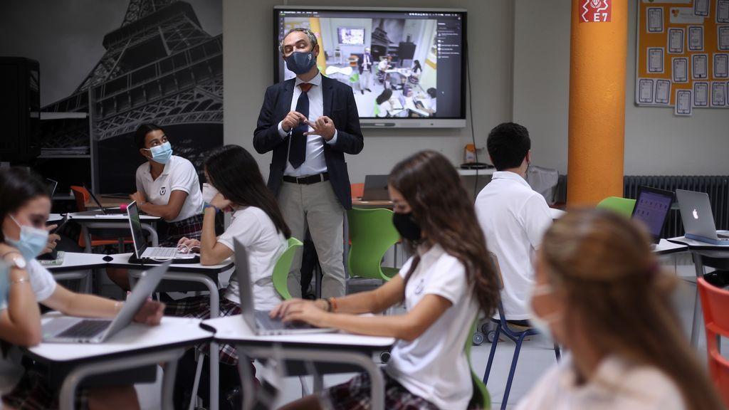 El máster de secundaria dejará de ser indispensable: los nuevos requisitos para dar clase