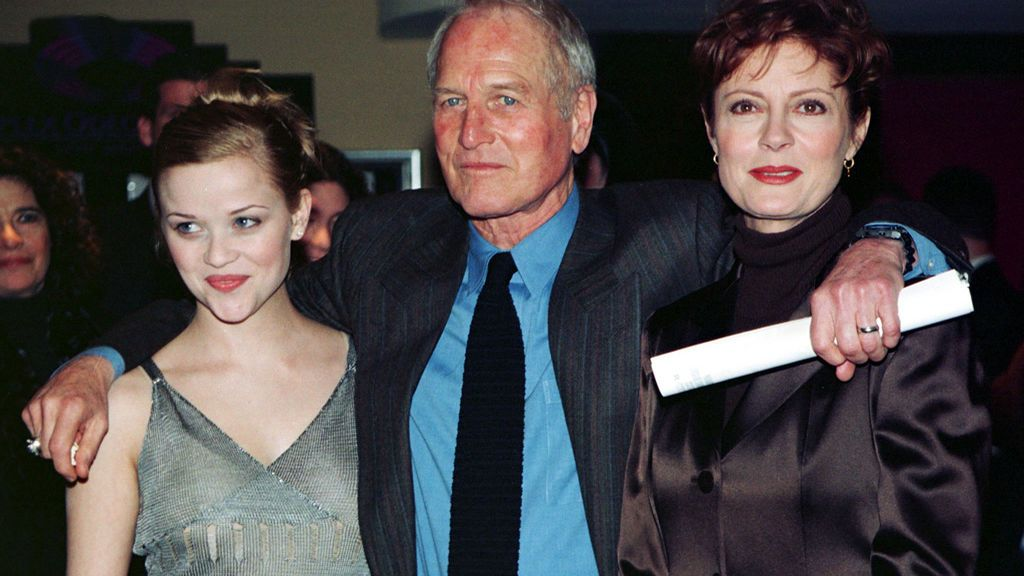 Paul Newman con Susan Sarandon y Reese Witherspoon, de 'Twilight' (1998)