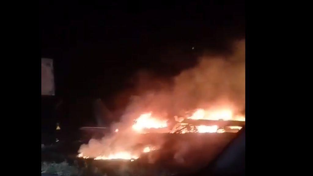 Un avión con cadetes de la fuerza aérea se estrella en el noreste de Ucrania