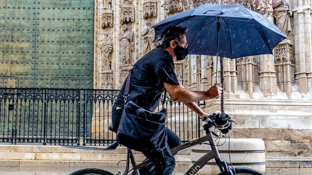 Mascarilla en días de lluvia: si se moja, debes cambiarla cuanto antes