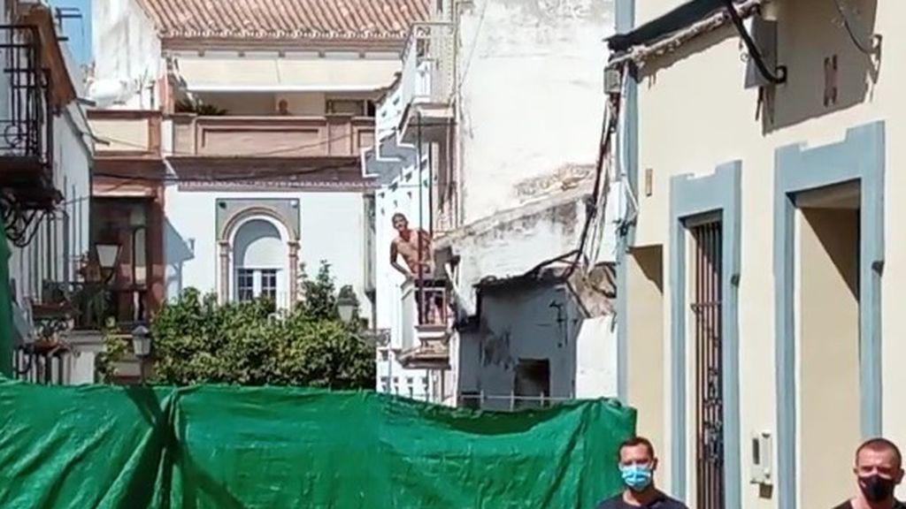 Detenido el hombre atrincherado en su vivienda de Coria del Río