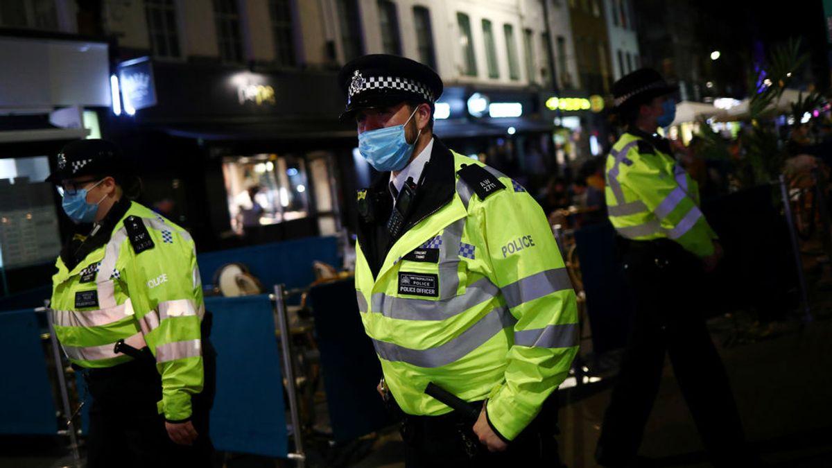 Un detenido mata a un policía en el sur de Londres