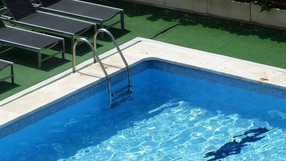 Rescatan a una bebé de 21 meses a punto de morir ahogada en una piscina en Quart de Poblet (Valencia)