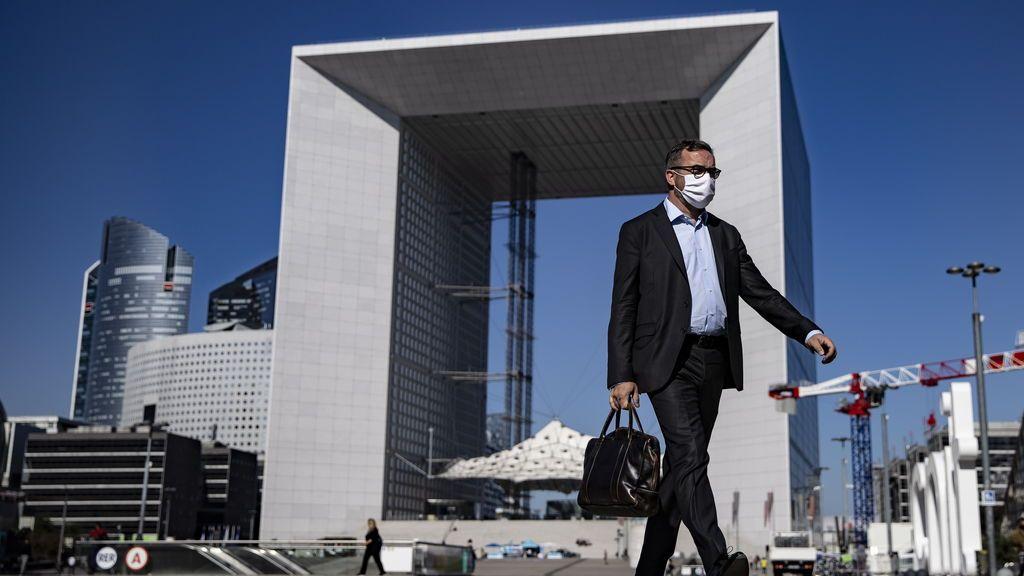 Francia registra 14.412 contagios de COVID-19 en 24 horas y 39 muertos más