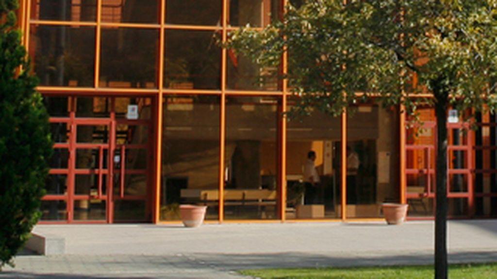 Una facultad de Madrid suspende las clases presenciales en una zona confinada