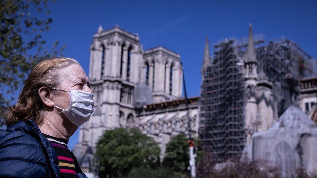 Dos premios Nobel de Economía piden endurecer las restricciones por el coronavirus en Francia
