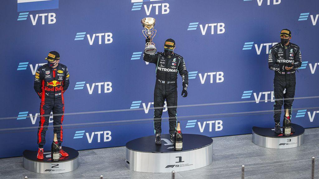 Bottas se lleva el Gran Premio de Rusia aprovechando la doble sanción de Hamilton