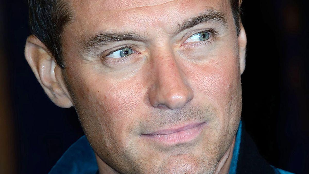 Jude Law, el seductor British que no acabó de triunfar y ha sido padre por sexta vez a los 47 años