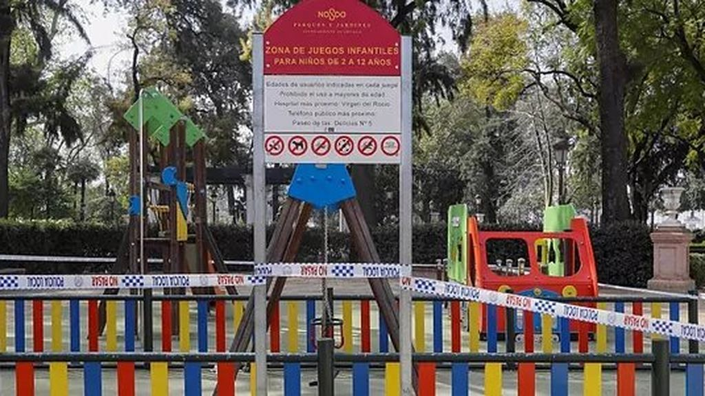 Sevilla mantendrá todos los parques infantiles cerrados por el aumento de los contagios