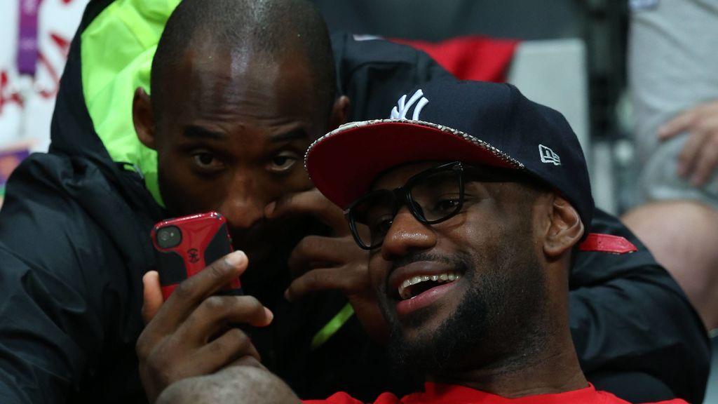 """LeBron James desvela el WhatsApp que le envió Kobe cuando firmó por los Lakers: """"Bienvenido, hermano"""""""
