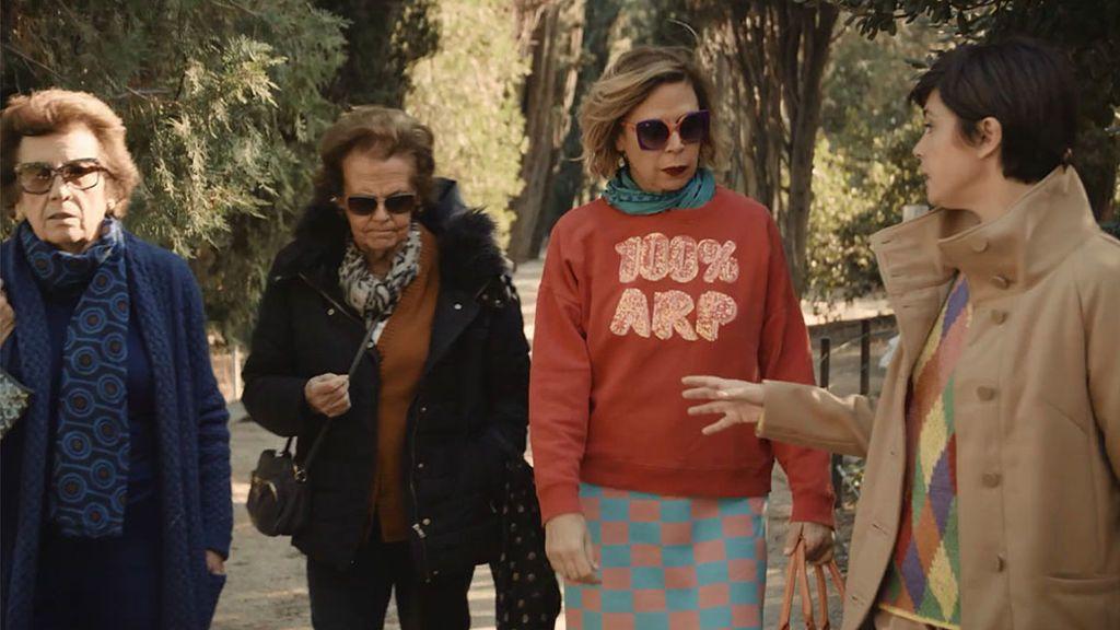 Ágatha Ruiz de la Prada se reencuentra con su pasado aristocrático y sus tías en Torre Arnús