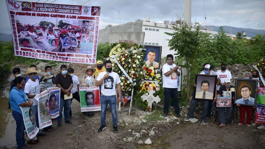 Hallan cerca de un centenar de cadáveres en ocho fosas comunes en México