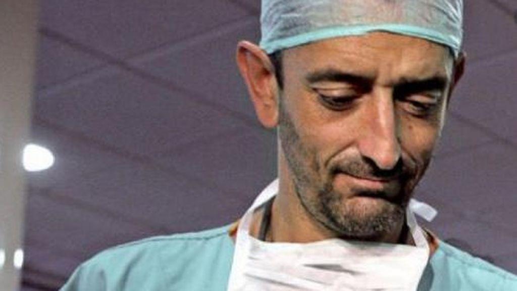 El médico Pedro Cavadas critica a Fernando Simón por su gestión de la pandemia: ¿Ha habido alguien controlándola?