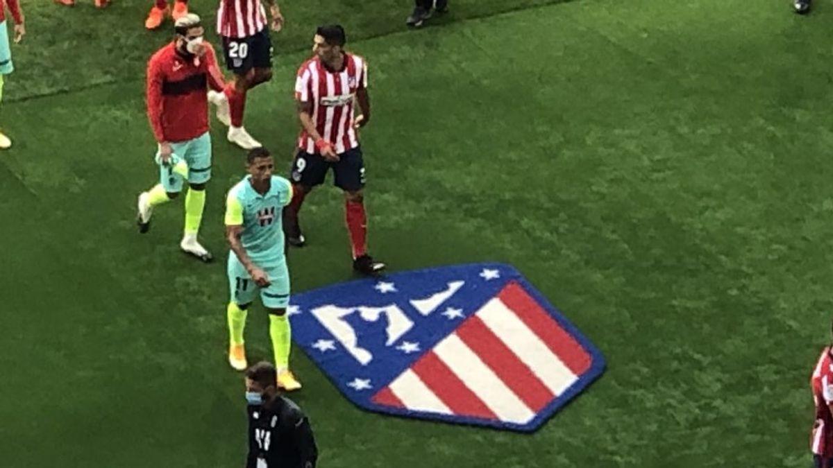 Luis Suárez ya sabe que no se pisa el escudo del Atlético: Vitolo le advirtió al debutar en el Metropolitano