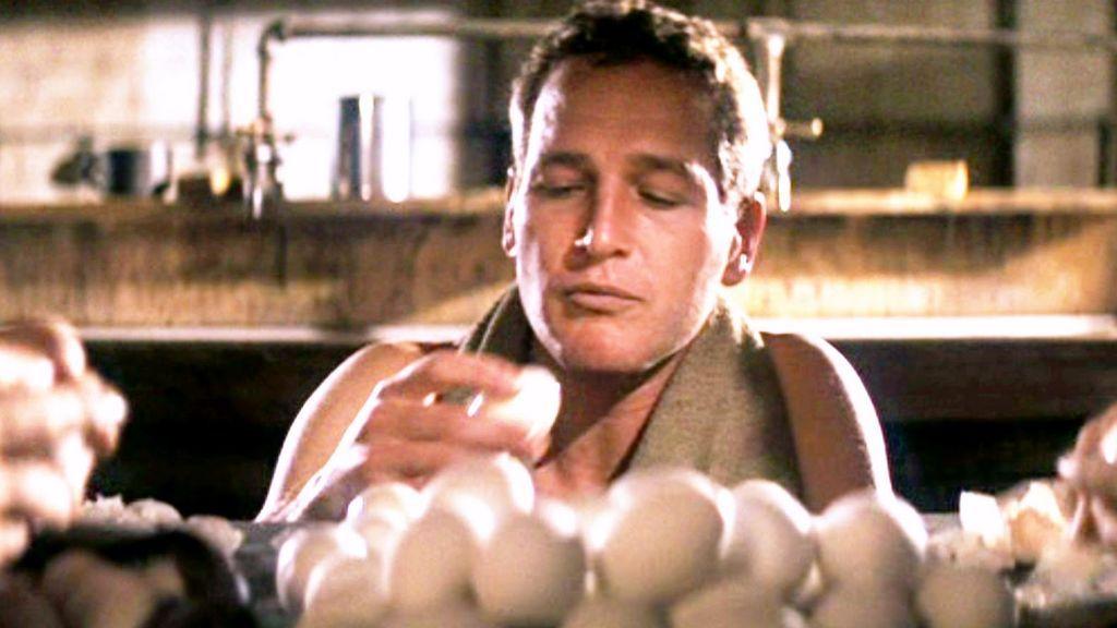 De la salsa de tomate a las carreras de coches: curiosidades de Paul Newman que no conocías