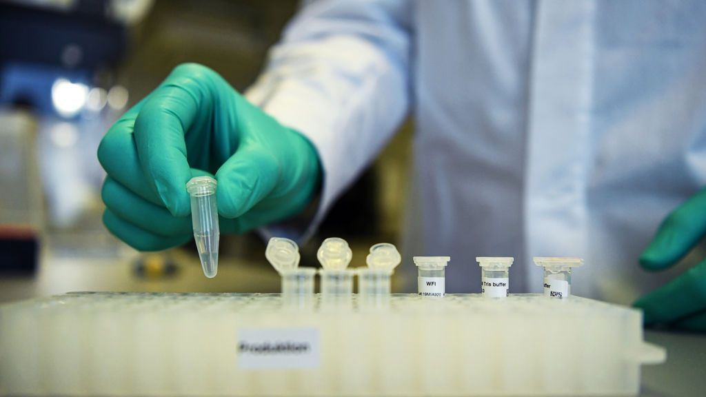 """Alertan de un nuevo caso de reinfección que """"podría tener implicaciones importantes en las vacunas"""""""