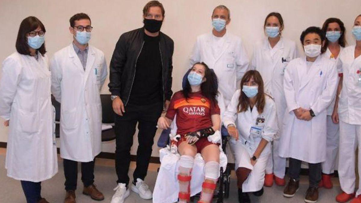 Una joven despierta tras 270 días en coma después de escuchar a su ídolo, Francesco Totti