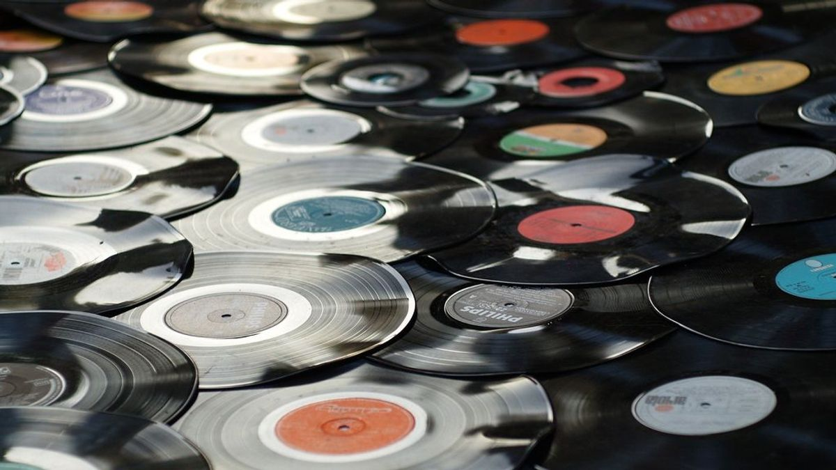 Una 'playlist' personalizada con tus canciones preferidas de hace décadas: Spotify y su 'cápsula del tiempo'